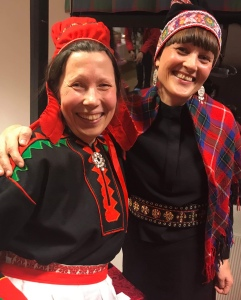 Skuvlla-Biehtár Ánne - guovttos/Skole-Petter Anna - teamet: Anna Anita Guttorm og Elin Margrethe Wersland i Kárášjohka/Karasjok. Foto: Anna Melkeråen.